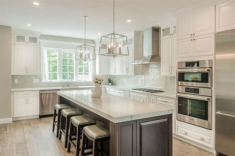 Traditional And Transitional Kitchen Design. Magnolia Court, Northfield NJ